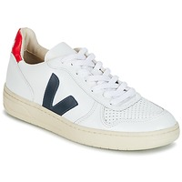 Shoes Low top trainers Veja V-10 White / Blue / Red