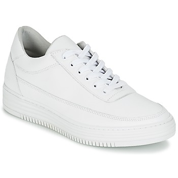 Shoes Women Low top trainers Bullboxer VEZIMETINE White