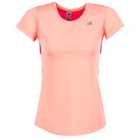 Clothing Women short-sleeved t-shirts New Balance ACCELERATE T CORAL