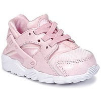 Shoes Girl Low top trainers Nike HUARACHE RUN SE TODDLER Pink
