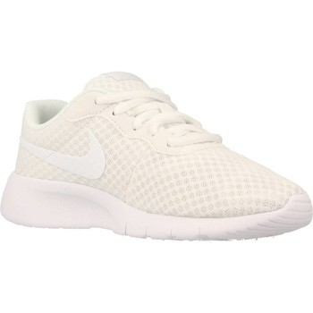 Shoes Girl Low top trainers Nike TANJUN White