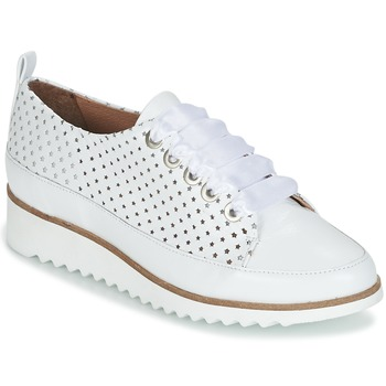 Shoes Women Low top trainers Myma FURLAO White