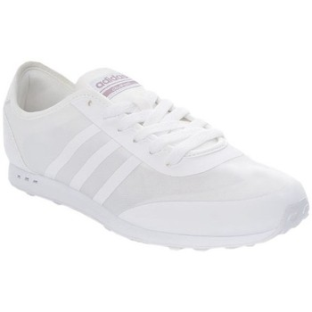 Shoes Women Low top trainers adidas Originals Cloudfoam Groove Neo White