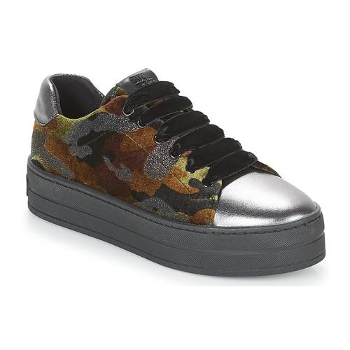 Shoes Women Low top trainers Bullboxer TECHA Gunn