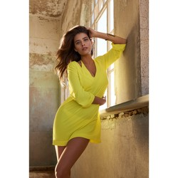 Clothing Women Tunics Pain De Sucre Short Beach Dress V-neckline Nessa  Yellow - Voile Uni Yellow