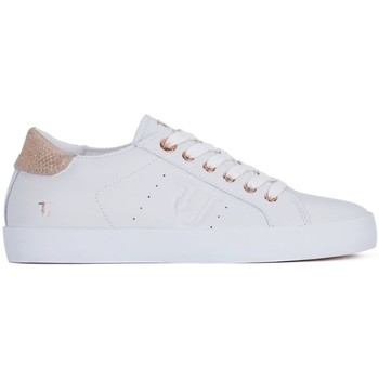 Shoes Women Low top trainers Trussardi U040 White