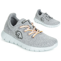 Shoes Women Low top trainers Giesswein MERINO RUNNERS Grey