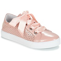 Shoes Women Low top trainers André BEST Nude
