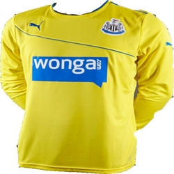 Clothing Long sleeved tee-shirts Puma 2013-14 Newcastle 3rd Long Sleeve Shirt (Kids) Yellow