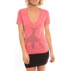 Clothing Women short-sleeved t-shirts So Charlotte V neck short sleeves Giraffe T00-91-80 Rose Pink