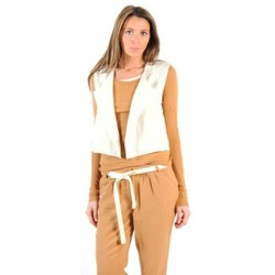 Clothing Women Jackets / Cardigans American Vintage GILET LEA134 NATUREL Beige
